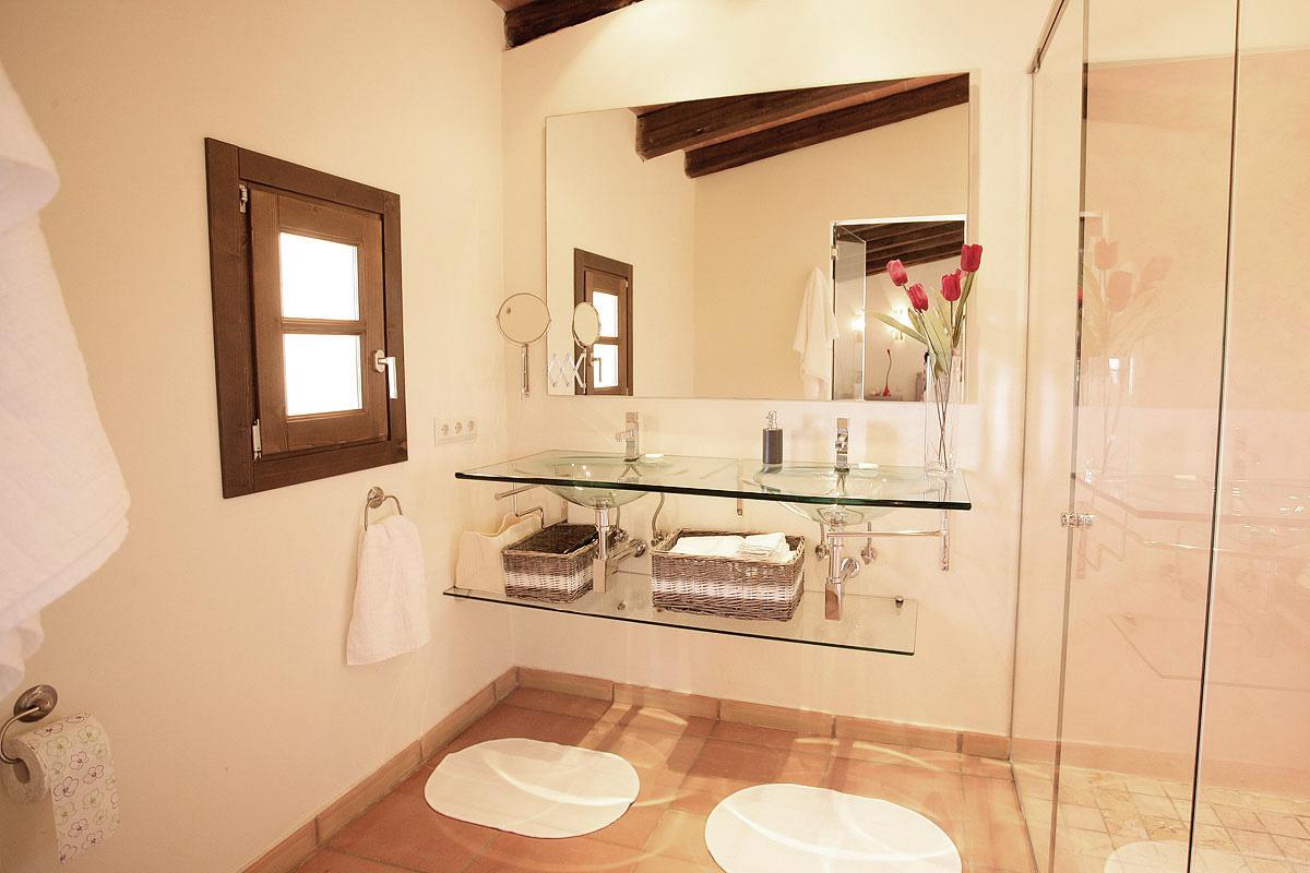 Master Badezimmer Nr.1 Mit Gläsernen Doppel Waschbecken Im Obergeschoss